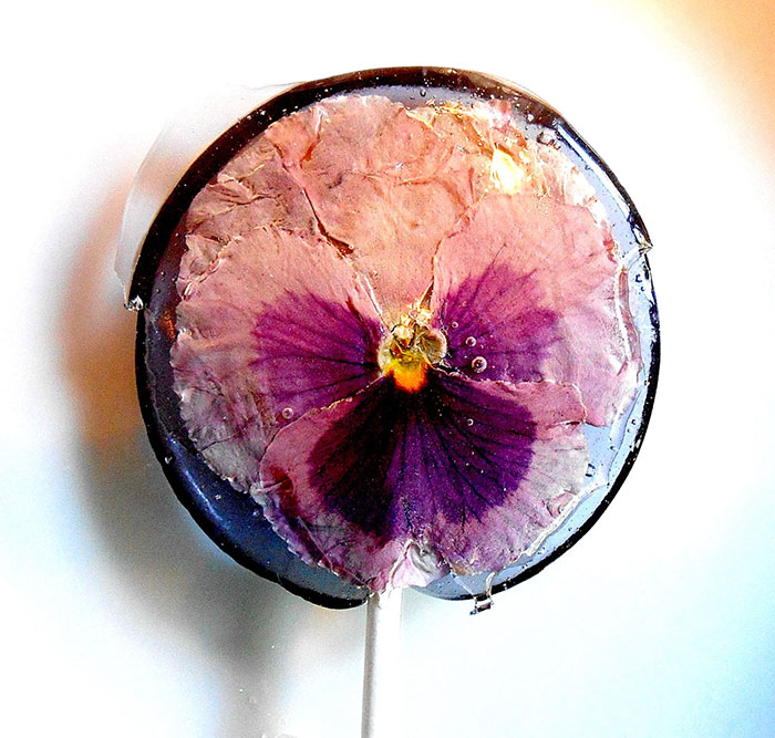Bitki Yapraklarından Lolipop Şekerler Üretildi