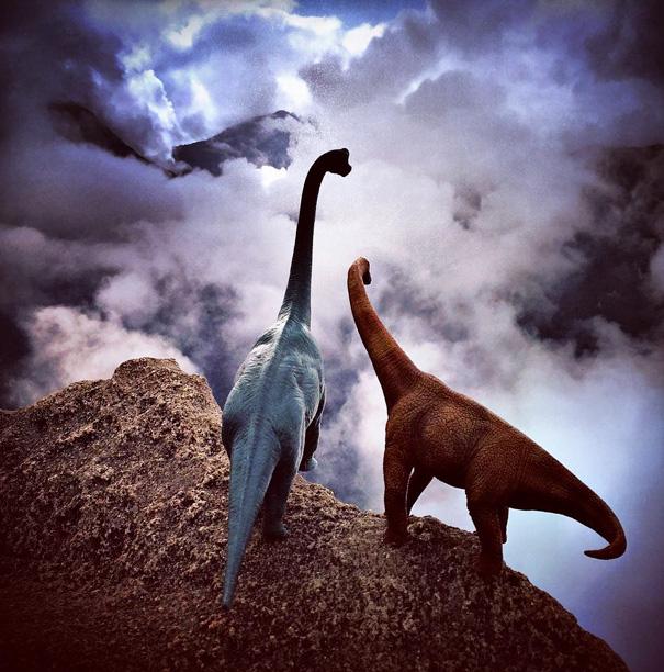 Oyuncak Dinozorlardan Gerçekçi Resimler